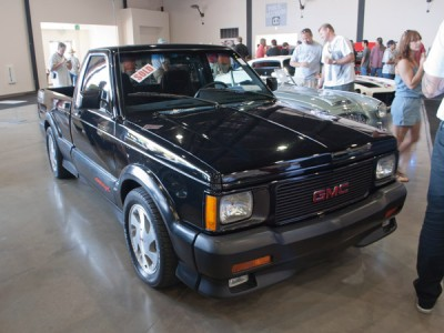 Gmc Syclone X on 1991 Dodge Dakota Sport Truck White