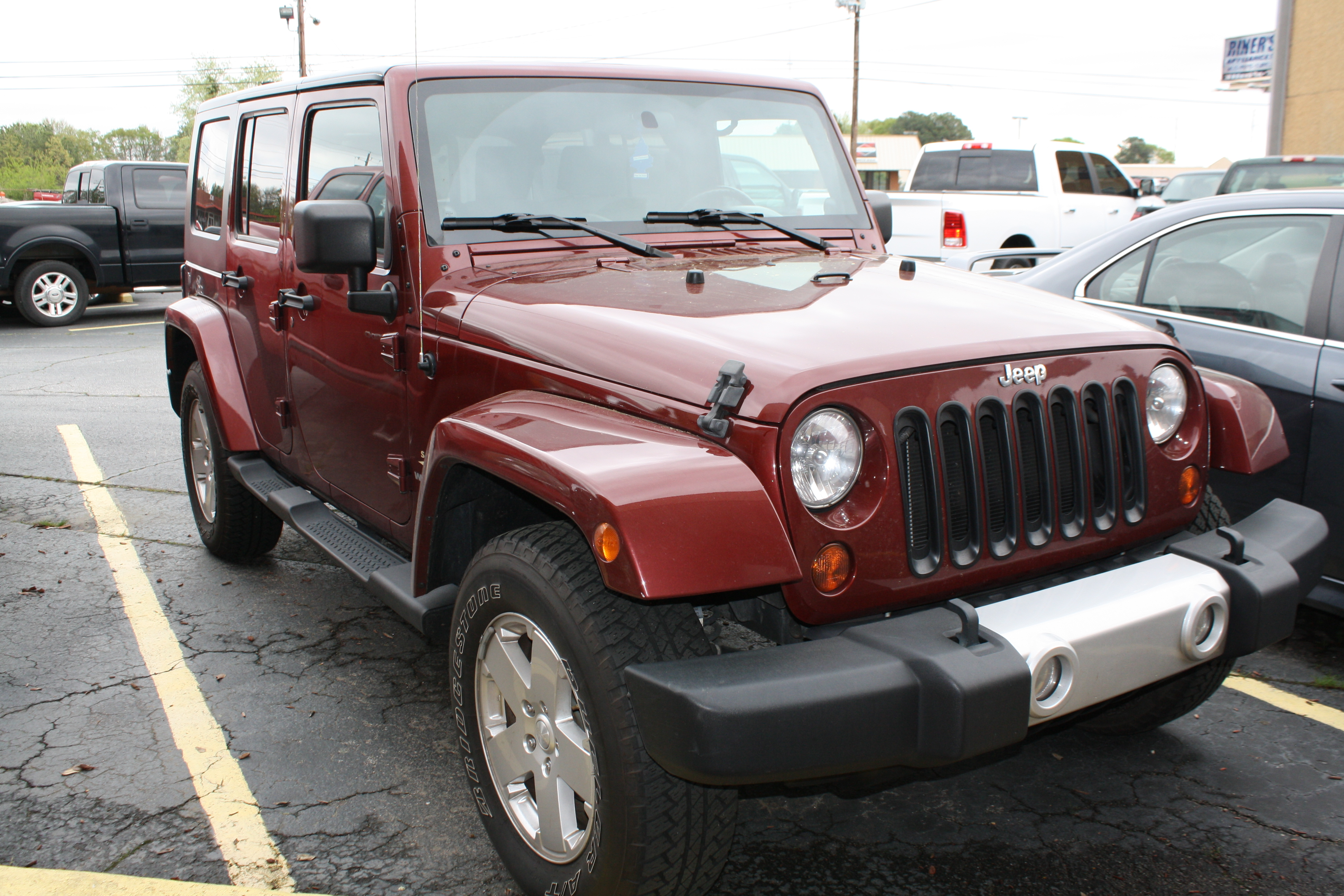 2010 Jeep Wrangler Unlimited Sahara 4d Utility 4wd