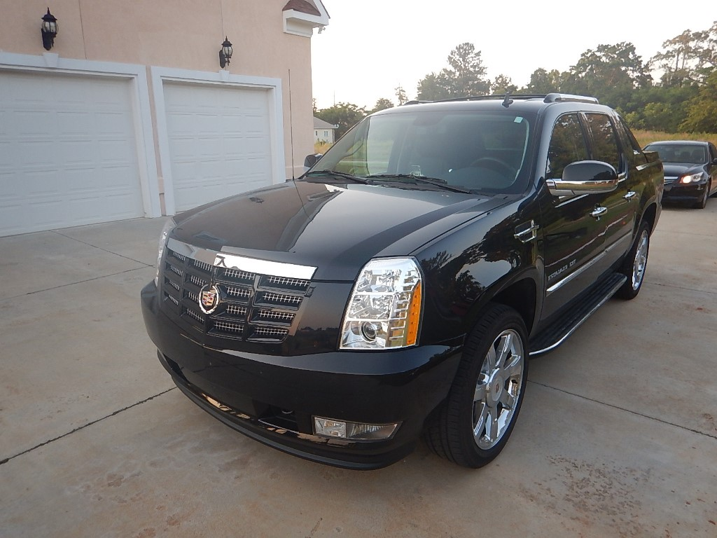 2014 cadillac escalade suv pricing new cars used cars holidays oo. Black Bedroom Furniture Sets. Home Design Ideas