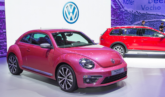 daily-car-news-bulletin-for-june-3-2016-wolkswagen-beetle-pink